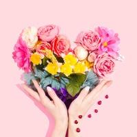 Flowers & Bouquets image