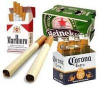 Licores y cigarros image
