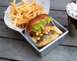Spicoli Burger image