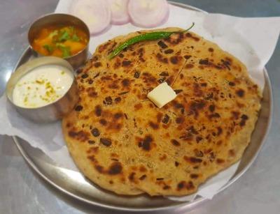 Onion Paratha image