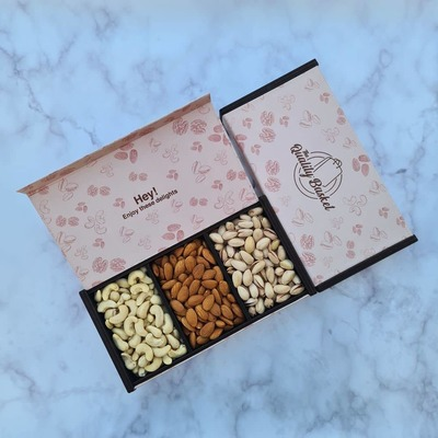 Gift Box (Almonds, Full Cashew, Salted Pista) image