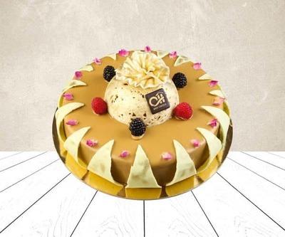 Spanish pistachio cake image