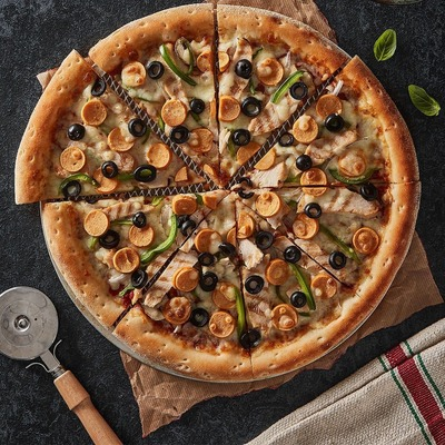 Super Broccoli Chicken Pizza image
