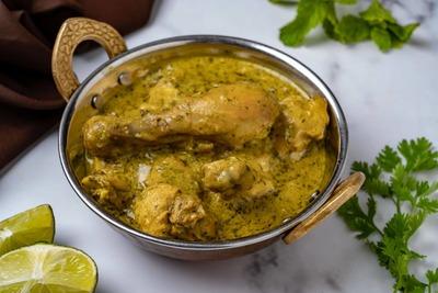 Chicken Green Karahi image