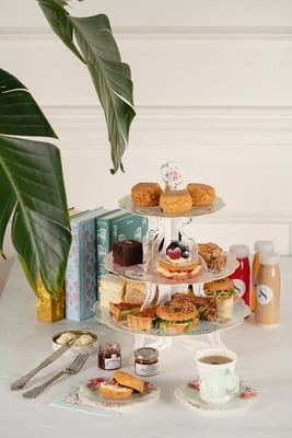 AFTERNOON TEA BOX FOR TWO image