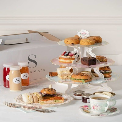 AFTERNOON TEA BOX FOR FOUR image
