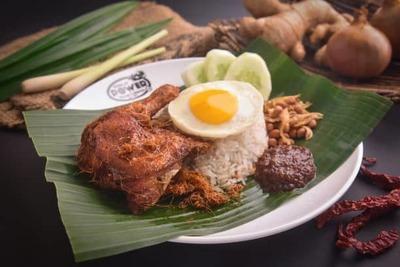 Nasi Lemak Ayam Berempah Set image