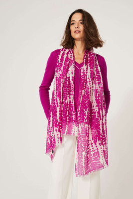 Lofty V-neck Cashmere Jumper - Magenta image