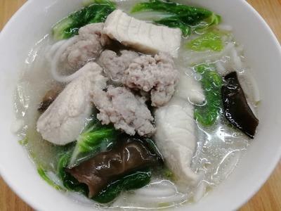 Pork Soup Mee Hoon 清汤鱼米粉 image