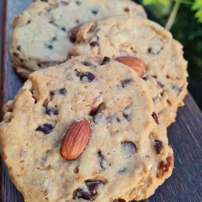 Cookie gourmand oversized chocolat amandes à l'unité image