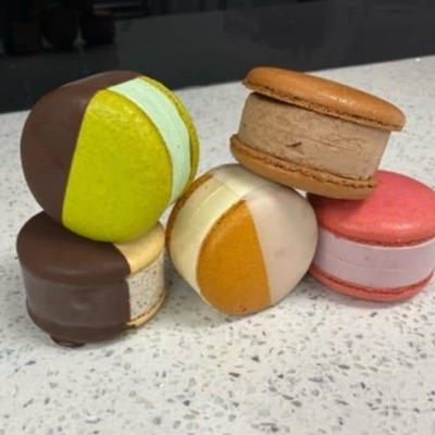 Chocolate Mac-a-bon image