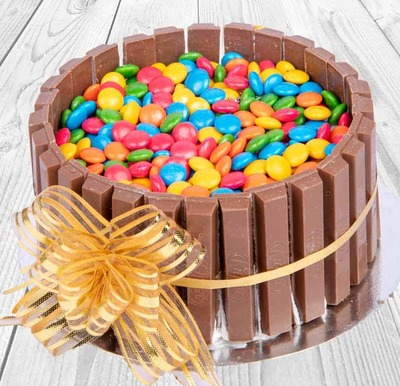 Kitkat Vanilla Cake-Egg image