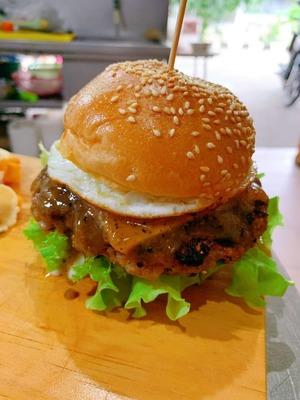 黑椒猪肉汉堡 Black Peppers pork image