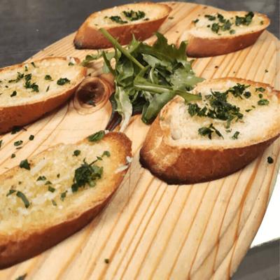 Harvest Garlic Bread (V)  ~ 40 Min image