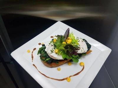 Eggs Florentine image